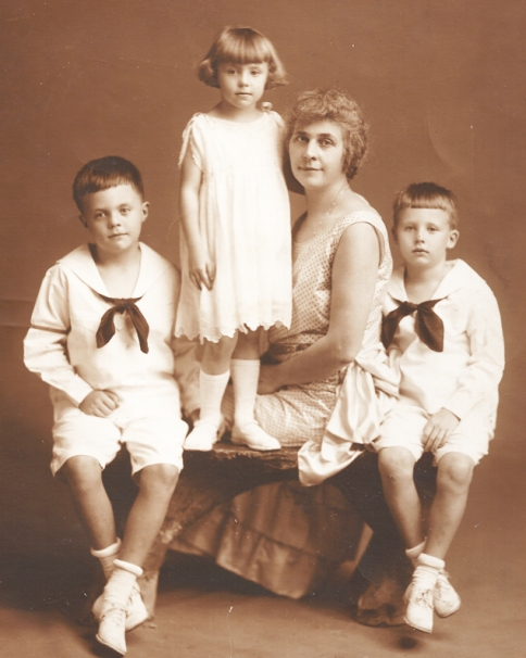 John, Edith,Emma,Louis-circa 1924-small